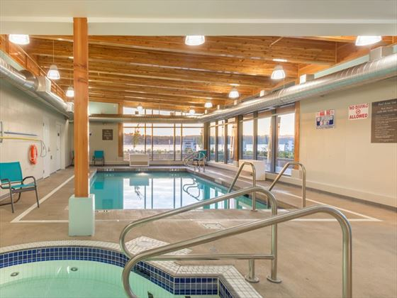 Comfort Inn & Suites Campbell River pool and hot tub