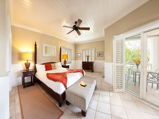 Coral Sands Junior Suite Ocean View bedroom