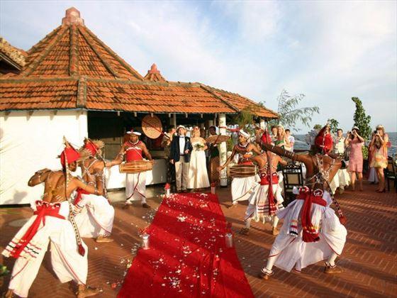 Kandyan dancers & drummers at the wedding