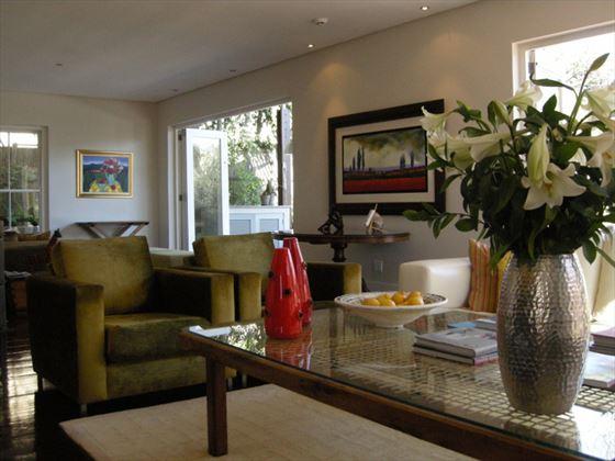 Four Rosmead lounge