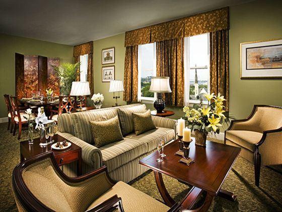 Francis Marion Hotel Harbour View Suite