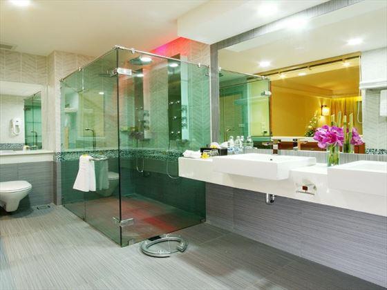 Grand Honeymoon Suite at KC Resort