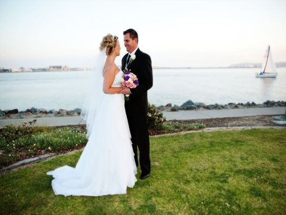 Wedding couple at Harbor Island Park