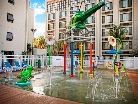 Holiday Inn Hotel & Suites Anaheim Splash Zone