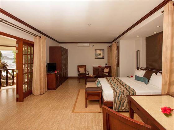 Deluxe Bedroom with beachfront view
