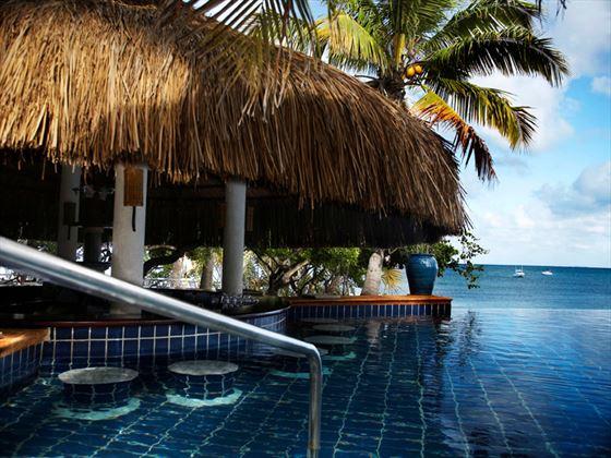 Indigo Bay Resort & Spa pool bar