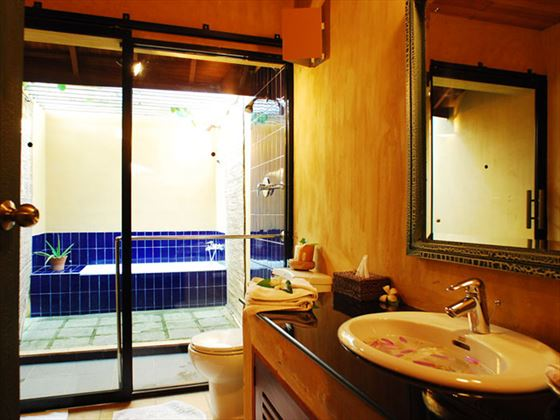 Jetwing Ayurveda Pavilions bathroom