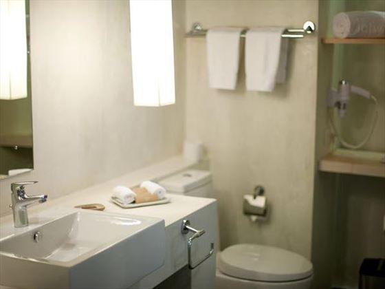 Jetwing Blue bathroom