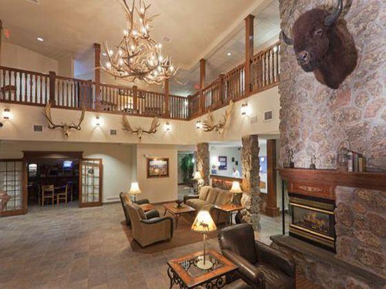 Holiday Inn Express Hotel & Suites Keystone Lobby