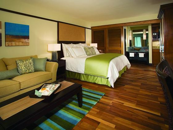 King deluxe room at Doubletree by Hilton at SeaWorld
