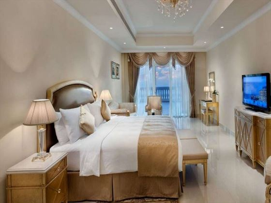 King size room at Kempinski Hotel & Residence Palm Jumeirah