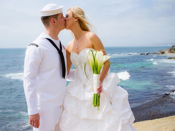 Romance on La Jolla cliffside