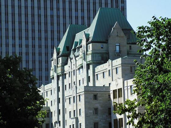 Lord Elgin exterior