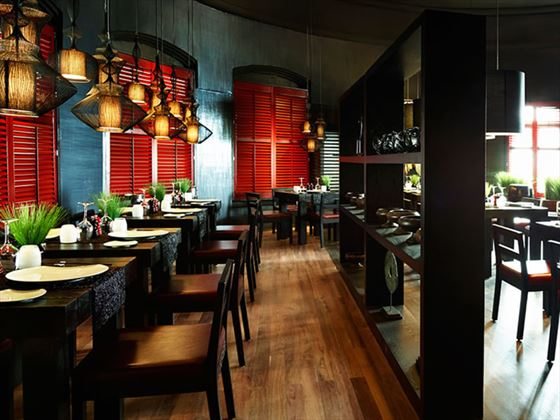 Dining at LUX* Belle-Mare