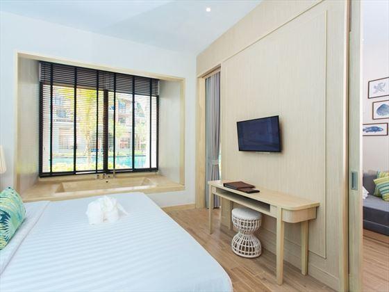 Mai Khao Lak Beach Resort & Spa Deluxe Suite Pool Access - Jacuzzi