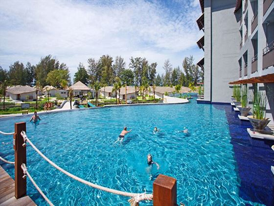 Mai Khaolak Beach Resort & Spa pool