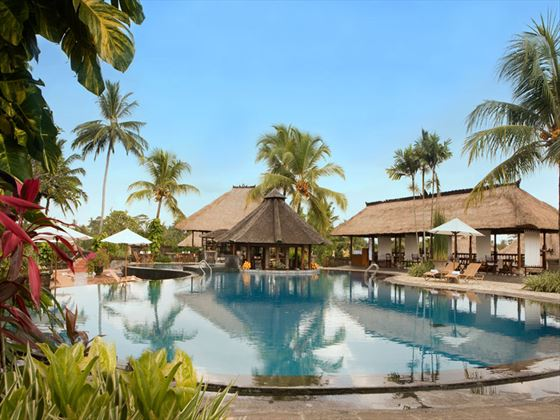 Main swimming pool at Kamandalu Resort & Spa