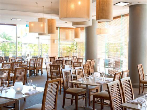 Finz Restaurant Seating