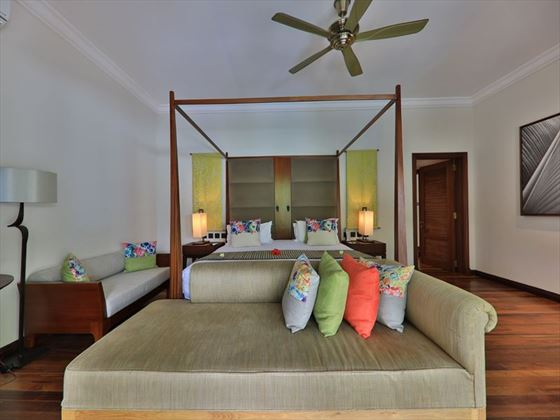 Maradiva, Exclusive Suite Pool Villa bedroom