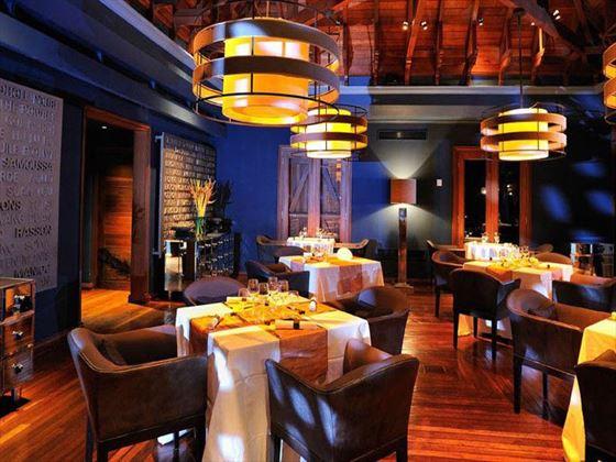 Maradiva Villas Resort & Spa restaurant