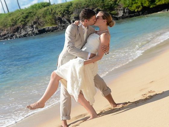 Wedding couple on the beach, Maui