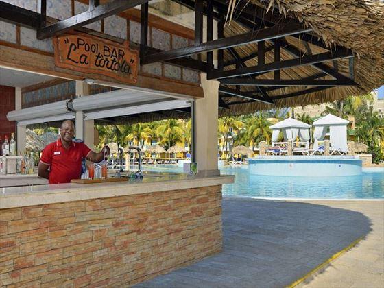 Lo Tortola pool bar