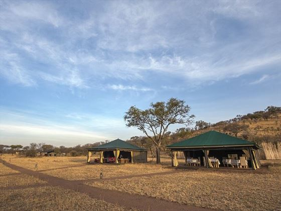 Nimali Central Serengeti, lounge and dining tents