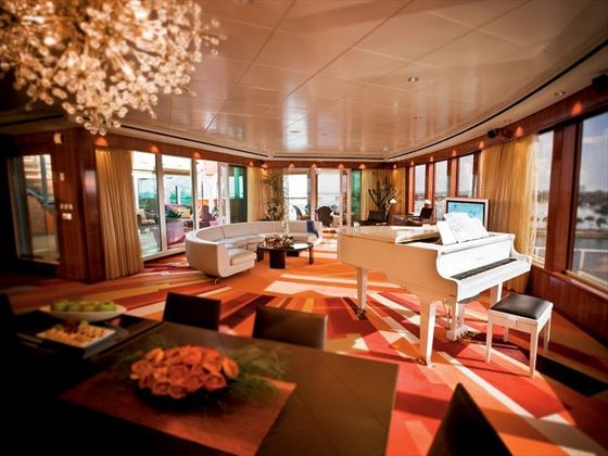 Norwegian Pearl Garden Villa living room