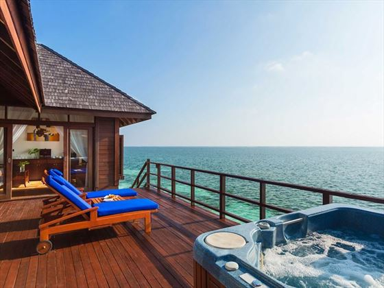 Olhuveli Beach & Spa Resort, Honeymoon Water Villa