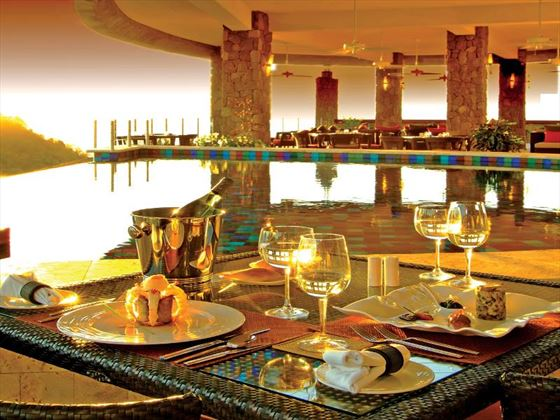 Open-air dining at Jade Mountain