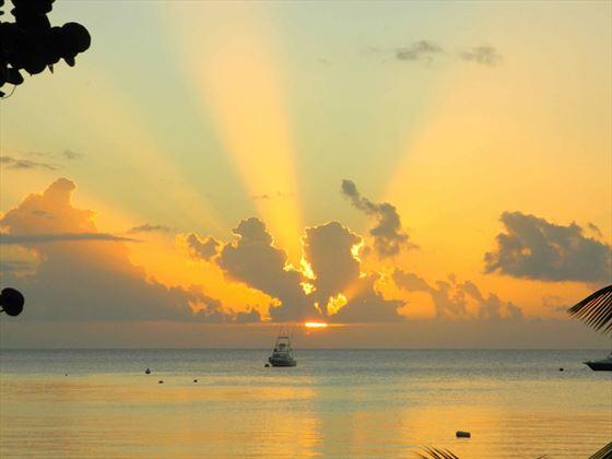 Beautiful evenings at Oualie Beach Resort