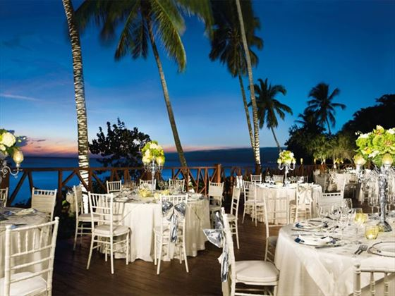 Outdoor dining at Dreams La Romana