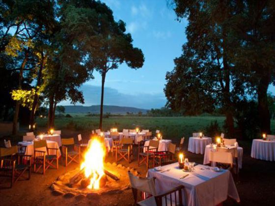 Outdoor dining at Little Governors Camp