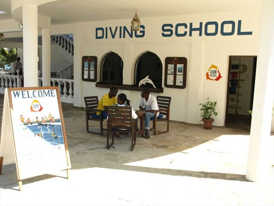 Papillon Lagoon Reef diving school
