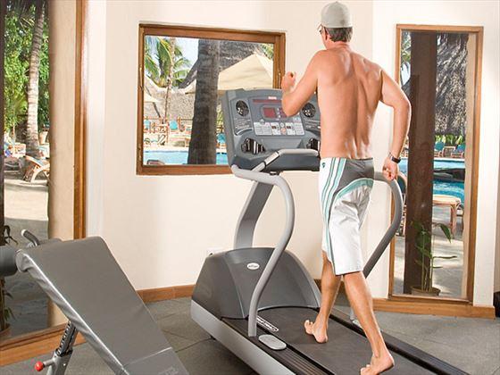 Pinewood Beach Resort and Spa gym