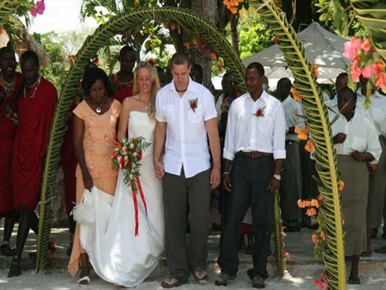 Bride & Groom at the Pinewood Beach Resort and Spa