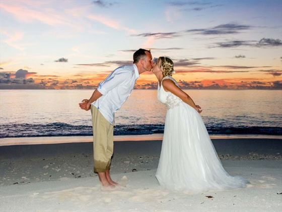 Romance at sunset, Denis Private Island