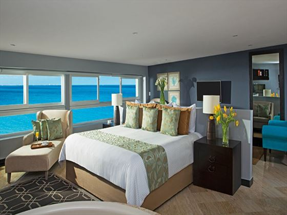 Preferred Club Junior Suite Oceanfront at Dreams Sands Cancun