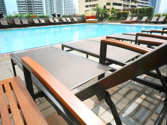 Rembrandt Hotel Bangkok pool