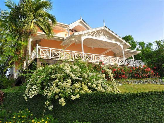 One of the six Plantation Beach Villas