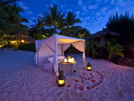 Romantic dining on the beach at Pacific Resort Aitutaki