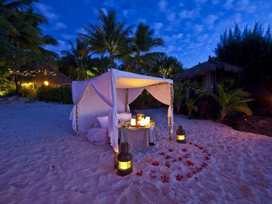 Romantic dining on the beach at Pacific Resort Aitutaki