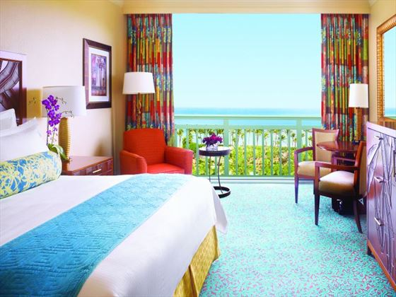 Atlantis Paradise Island Bahamas Book Now With Tropical Sky
