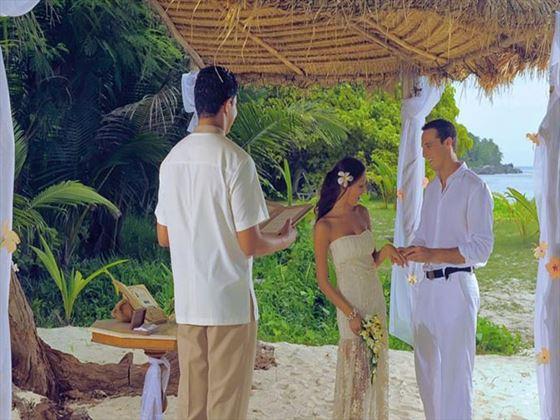 Wedding ceremony at Sainte Anne Island