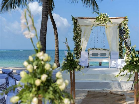 Beautiful beach setting for a wedding at Sandies Tropical Village
