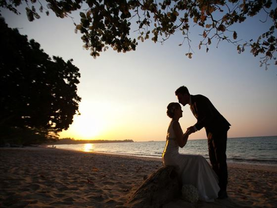 The happy couple at sunset, The Sarojin