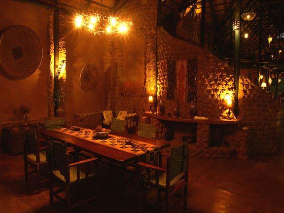 Stanley Safari Lodge dining