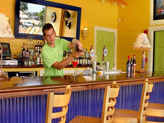 Sunshine Bar and Grill at Sunshine Suites Cayman Islands