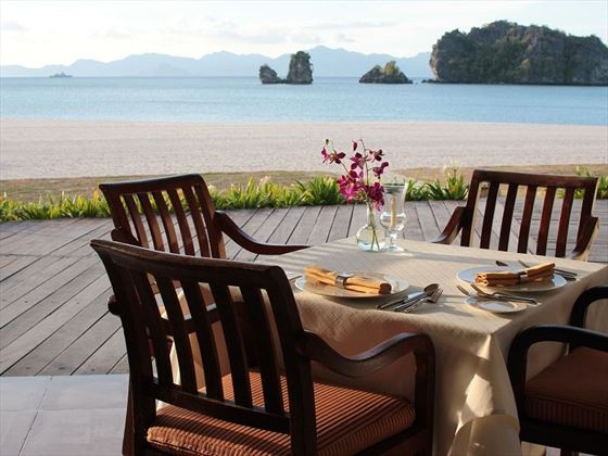 Tanjung Rhu beachside dining