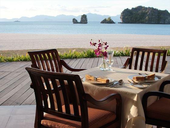 Tanjung Rhu beachside dining